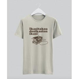 'DESIKASTEN IKASI' camiseta color 'natural'